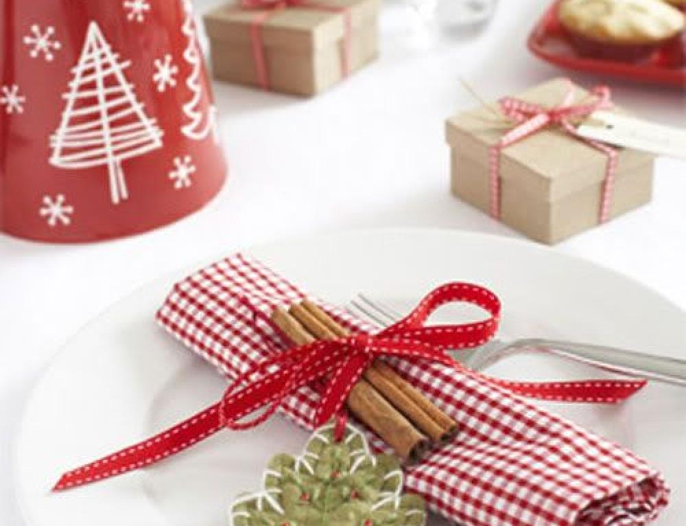 Prepariamo la tavola di Natale.
